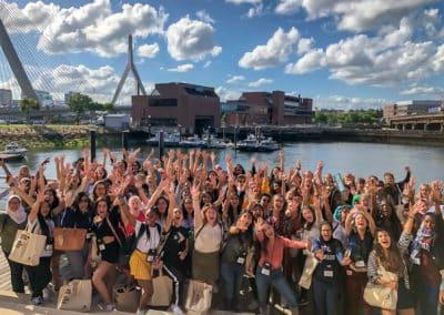 Twee alumnae uitgenodigd in Boston voor training rond leiderschap